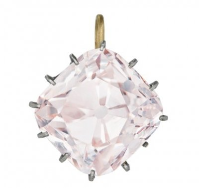 Grand-Mazarin-colored-diamond